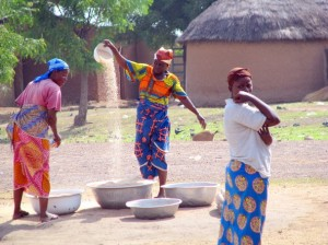 African women at work